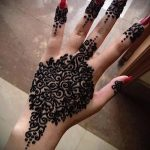 mehendi on hand black henna - a temporary henna tattoo photo 1100 tatufoto.ru