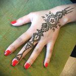 mehendi on hand geometry - a temporary henna tattoo photo 1109 tatufoto.ru