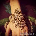 mehendi on hand mandala - a temporary henna tattoo photo 1111 tatufoto.ru
