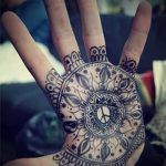 mehendi on hand mandala - a temporary henna tattoo photo 2112 tatufoto.ru