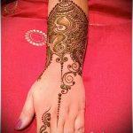 mehendi on her arm as a bracelet - a temporary henna tattoo photo 1116 tatufoto.ru