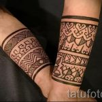 mehendi on her arm bracelet - Picture temporary henna tattoo 1117 tatufoto.ru