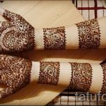 mehendi on her arm bracelet - Picture temporary henna tattoo 3119 tatufoto.ru