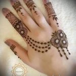mehendi on her arm light pictures - photo of temporary henna tattoo 1122 tatufoto.ru