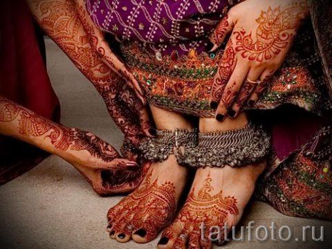 mehendi on her hand and foot - options for temporary henna tattoo on 05082016 2074 tatufoto.ru