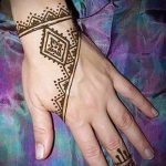 mehendi patterns on the hand - a temporary henna tattoo photo 1138 tatufoto.ru