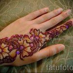 mehendi sur la main - une photo de tatouage au henné temporaire 1143 tatufoto.ru