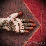 mehendi sur les deux mains - une photo de tatouage au henné temporaire 1150 tatufoto.ru