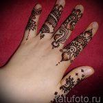 mehendi sur les doigts - une photo de tatouage au henné temporaire 1152 tatufoto.ru