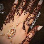 mehendi sur les doigts - une photo de tatouage au henné temporaire 2153 tatufoto.ru