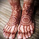 mehendi sur leurs orteils - options pour tatouage au henné temporaire sur 05082016 2092 tatufoto.ru