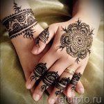 mehendi sur son bracelet de bras - Photo henné tatouage temporaire 2164 tatufoto.ru