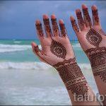 mehendi sur son bras comme un bracelet - une photo de tatouage au henné temporaire 1165 tatufoto.ru
