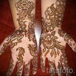 mehendi sur un des hommes de main - une photo de tatouage au henné temporaire 2172 tatufoto.ru