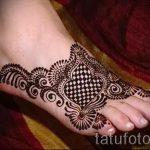 schöne mehendi auf ihrem Bein - Optionen für temporäre Henna-Tattoo auf 05082016 1108 tatufoto.ru