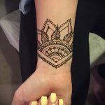 простые тату хной - фото пример готовой татуировки 02092016 2337 tatufoto.ru