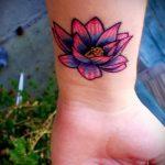 простые тату цветы - фото готовой татуировки 02092016 11352 tatufoto.ru