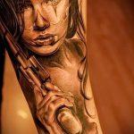 тату девочка с пистолетом - фото готовой татуировки 01092016 2076 tatufoto.ru
