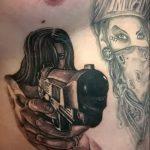 тату девочка с пистолетом - фото готовой татуировки 01092016 5079 tatufoto.ru