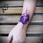 тату космос на запястье - фото готовой татуировки 5138 tatufoto.ru