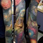 тату космос рукав - фото готовой татуировки 11151 tatufoto.ru