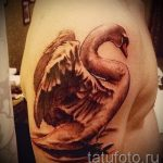 tatu-lebed-na-ruke-foto-primer-gotovoj-tatuirovki-2104-tatufoto-ru