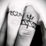 тату-обручальные-кольца-фото-варианты-татуировок-вместо-обручальных-колец-28.jpg