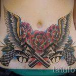тату пистолеты на животе - фото готовой татуировки 01092016 12198 tatufoto.ru