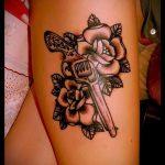 тату пистолет с розами - фото готовой татуировки 01092016 4138 tatufoto.ru
