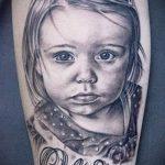 фото тату портрет ребенка - маленькая девочка с красивыми глазами
