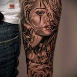 фото тату портрет - девушка со светлыми волосами и узорами на лице + цыеты