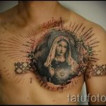Фото тату иконы - дева на груди у парня
