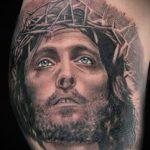 Тату икона Иисуса с красивыми глазами - фото