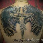 Крылья крест и распятье - фото тату