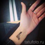 gun tatouage sur son poignet - une photo du tatouage fini 01092016 1004 tatufoto.ru