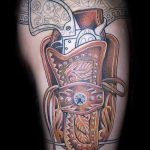 tattoo gun on his leg - a photo of the finished tattoo 01092016 2046 tatufoto.ru