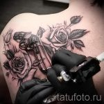 tattoo gun with roses - a photo of the finished tattoo 01092016 2049 tatufoto.ru