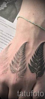 Классная тату папоротник на фото – для статьи про значение татуировки 4
