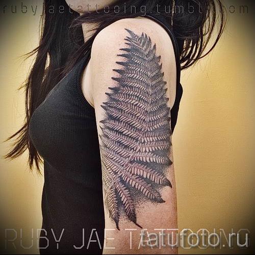 Классная тату папоротник на фото - для статьи про значение татуировки 59