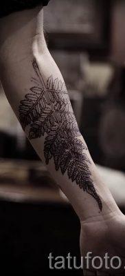 Классная тату папоротник на фото – для статьи про значение татуировки 60