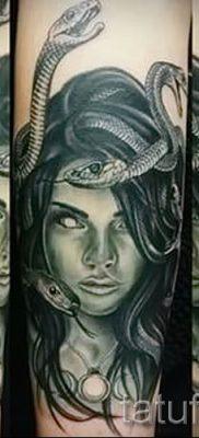Медуза Горгона тату – фото пример для статьи про значение татуировки 13