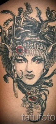 Медуза Горгона тату – фото пример для статьи про значение татуировки 16
