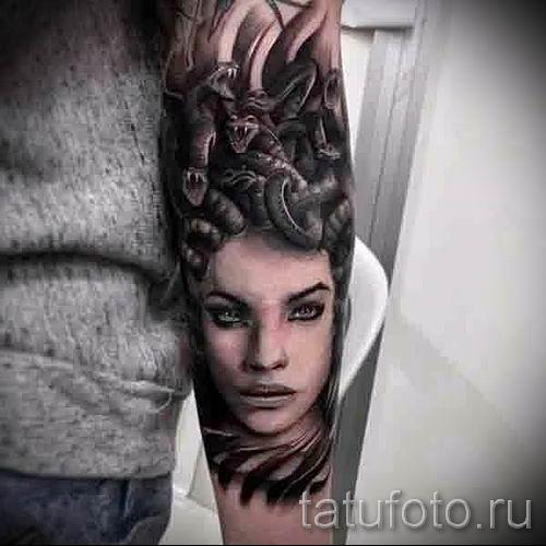 Медуза Горгона тату - фото пример для статьи про значение татуировки 21