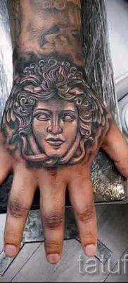 Медуза Горгона тату – фото пример для статьи про значение татуировки 35