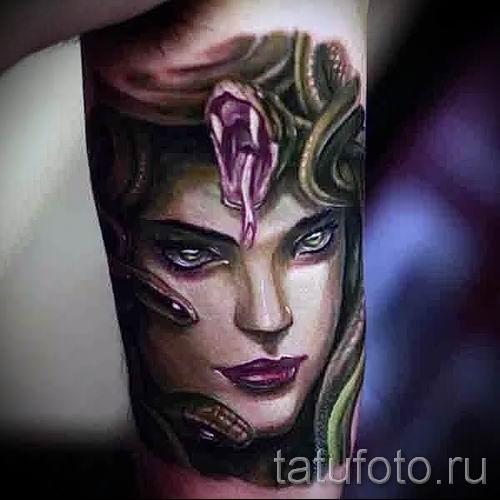 Медуза Горгона тату - фото пример для статьи про значение татуировки 40
