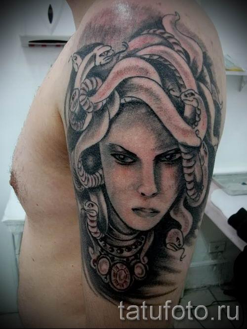 Медуза Горгона тату - фото пример для статьи про значение татуировки 50