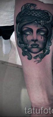 Медуза Горгона тату – фото пример для статьи про значение татуировки 53