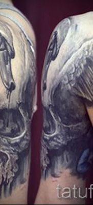Пример татуировки с лебедем – фото для статьи про значение тату  6