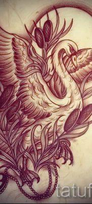 Пример татуировки с лебедем – фото для статьи про значение тату  7