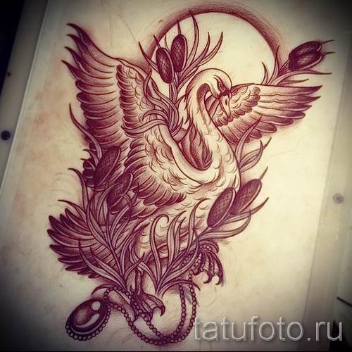 Пример татуировки с лебедем - фото для статьи про значение тату 7